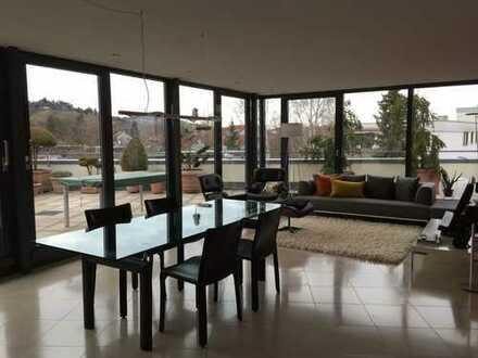 Außergewöhnliches Wohnen 5 Zi. Penthauswohnung mit Dachterrasse