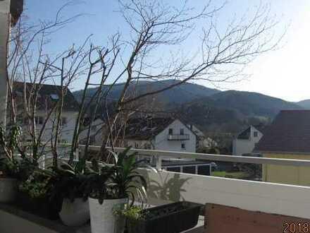 Tolle & helle 3,5-Zimmer-Wohnung mit großem S/W Balkon in Kirchzarten