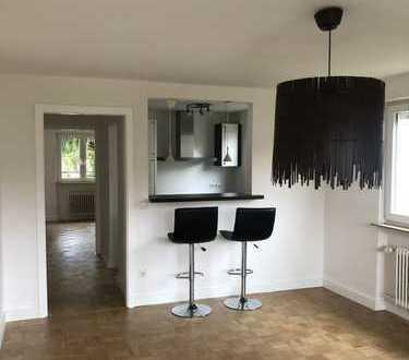 Schöne helle 2-Zimmer-Wohnung in Ludwigsburg, renoviert.