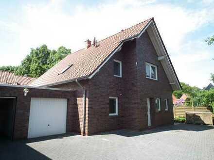 Schönes Einfamilienhaus mit fünf Zimmern in Bad Zwischenahn (Rostrup)