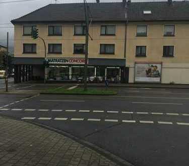 2 Häuser mit 10 Wohnungen und Ladenlokal in Duisburg, Aldenrade