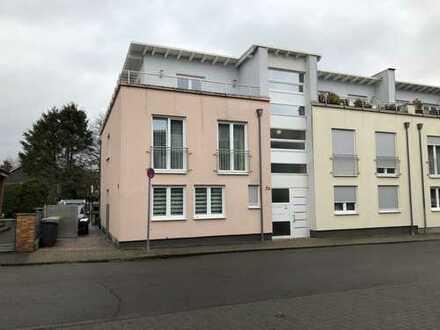 Widdersdorf ! Neuwertiges 4-Parteienhaus mit frei werdender Eigentümerwohnung ! Top-ausgestattet !