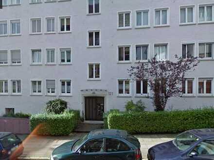 Erstbezug nach Sanierung mit Einbauküche und Balkon: stilvolle 2-Zimmer-Wohnung in Stuttgart