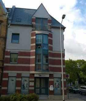 Schöne 1-Raum-Wohnung im 2. OG links mit Balkon und EBK