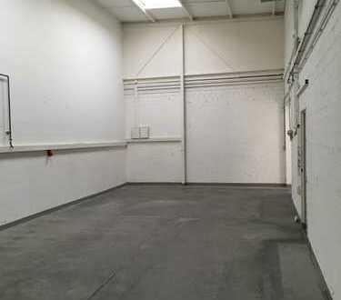 Kleine Halle mit Büro, 123qm, Gewerbegebiet Weiherhaus