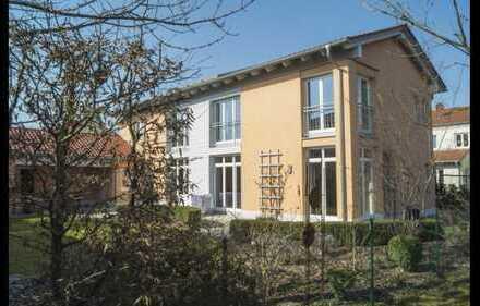 Schönes, geräumiges Haus mit sechs Zimmern in Ingolstadt, West