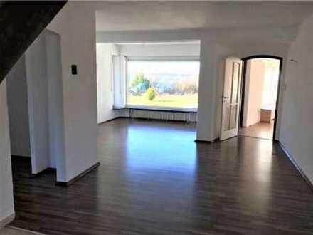 HEIMArT-Einfamilienhaus in Berg- Vermietbar bis Februar 2020