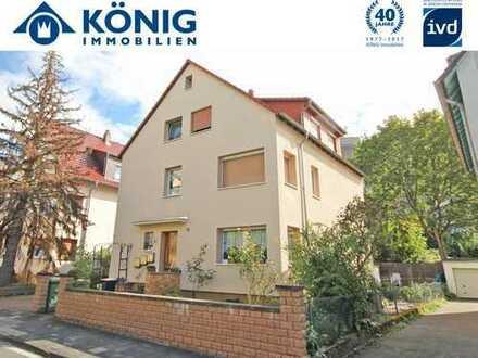 Oberstadt-Hit: 3-4 Zimmerwohnung in einem 3-Familienhaus auf supergünstigem Erbpachtgrundstück