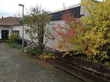 Schönes, geräumiges Haus mit fünf Zimmern in Rheingau-Taunus-Kreis, Walluf
