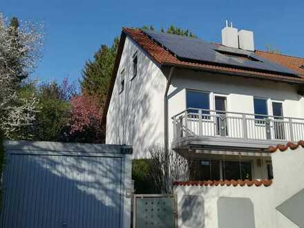 Hochwertige Doppelhaushälfte in Göggingen mit attraktiver Infrastrakturanbindung