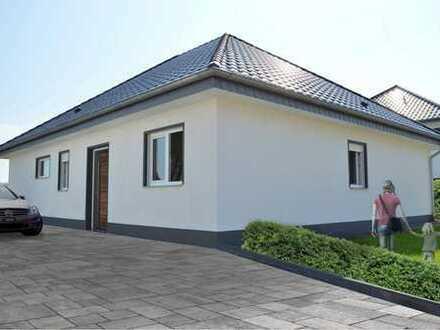 Schöner, geräumiger Bungalow mit vier Zimmern in Lippe (Kreis), Bad Salzuflen