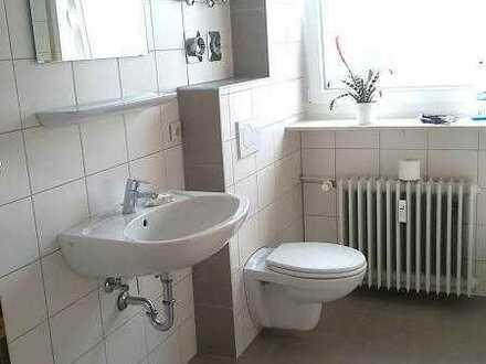 Gepflegte Wohnung mit zwei Zimmern und Balkon in Kirchheimbolanden