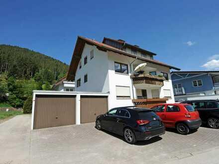 Geräumige, schön gelegene 4-Zimmer-Wohnung mit Balkon und Garage