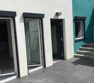 Erstbezug: 2,5-Zimmer-Wohnung mit Einbauküche und Terrasse in Steinenbronn