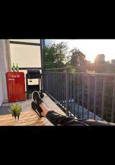 Vollmöblierte Untermiete: Geschmackvolle 2-Raum-Wohnung (Balkon/EBK)