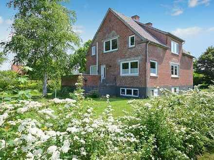 1-2 Familienhaus mit acht Zimmern in Bylderup Bov, Dänemark