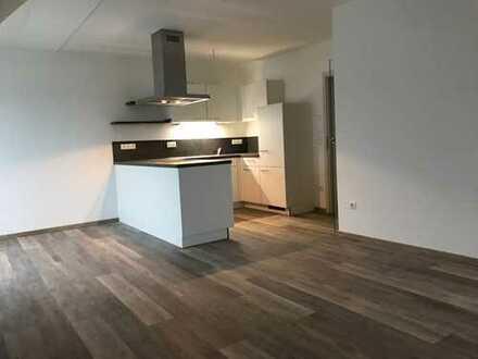Stilvolle 2-Zimmer-Dachgeschosswohnung mit EBK und Balkon in Ingolstadt-Zuchering