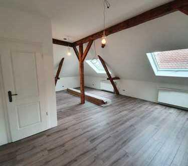 Erstbezug nach Ausbau - Dachgeschoss-Maisonette-Wohnung östliches Ringgebiet