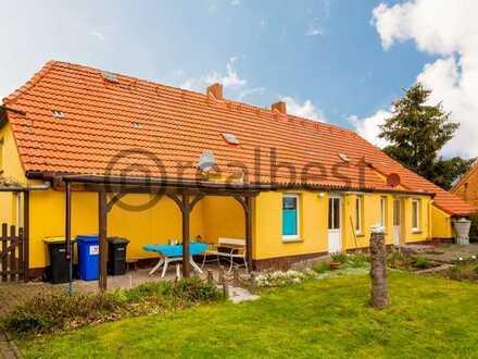 Idyllisch gelegene Doppelhaushälfte mit Ausbaupotential auf großzügigem Grundstück