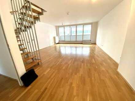 Offene Maisonette-Wohnung mit *Balkon*