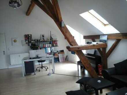 Preiswerte, geräumige und modernisierte 1-Zimmer-Loft-Wohnung mit Balkon in Kulmbach