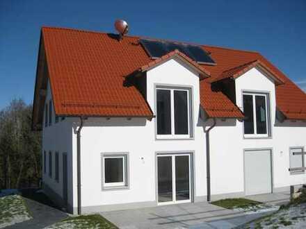 Exklusiver Neubau - DHH mit 6 Zimmern, Terrasse und Garten