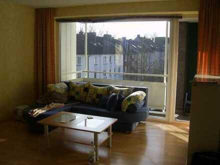 Rüttenscheid/Ostviertel - helles Apartment mit abgetrennten Schlafraum
