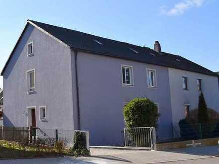 Schön renoviertes Zweifamilienhaus in Weiden