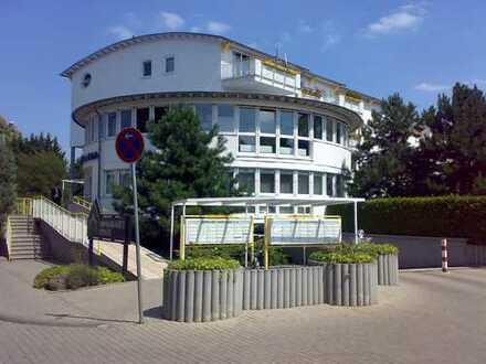 2-Zimmerwohnung mit gr. Balkon und Tiefgaragenplatz