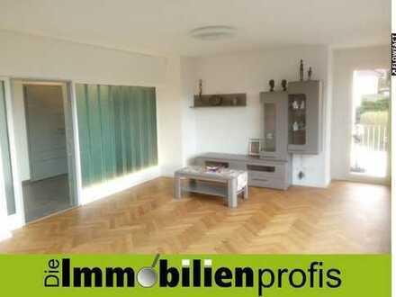 Hochwertig sanierte 3-Zimmer-Wohnung mit Terrasse und Garagenstellplatz Nähe Wartturm in Hof