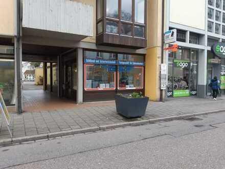 Gepflegtes Ladengeschäft oder Büro mitten in Kehl (zzgl. ca. 82 qm Lagerfläche)