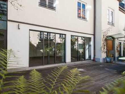 Haidhausen! Lichtdurchflutetes Stadthaus in idyllischer Innenhoflage