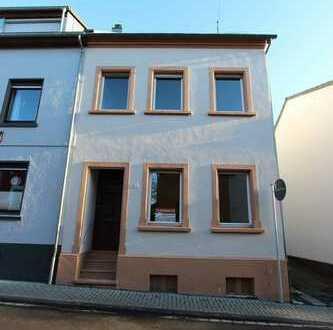 Doppelhaushälfte aus der Jahrhundertwende in ruhiger Lage von Bad Honnef zu verkaufen!