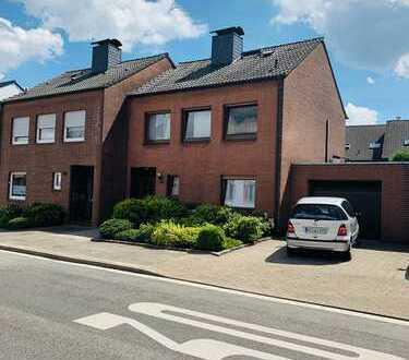 Gepflegte Doppelhaushälfte in ruhiger und zentraler Lage von Moers-Asberg