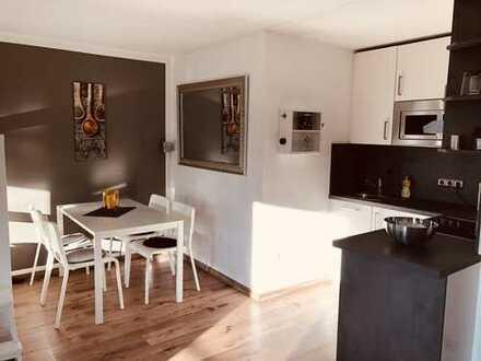 Schönes möbliertes 1-Zimmer-Apartment mit EBK und Balkon - Warmmiete inkl. Strom und Internet