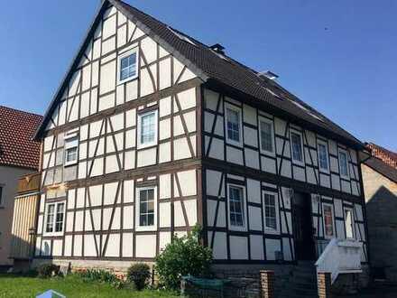 Charmantes 2-Familien-Fachwerkhaus - umfangreich saniert - in ruhiger Lage von Breuna-OT