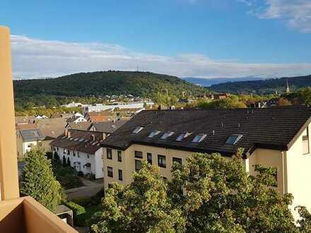 Helle 2-Zimmerwohnung mit Loggia in Ettlingen-Neuwiesenreben, Verkauf im BIETERVERFAHREN