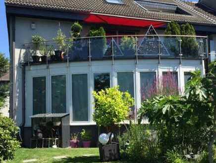 Moderne 5-Zimmer-Wohnung über zwei Etagen mit Terrasse und Kamin in Bochum Grumme