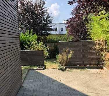 --- tolle 3 Zimmerwohnung mit Garten im Herzen von Schildgen ---