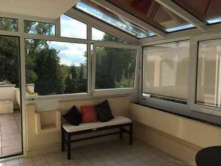 Gepflegte 3-Zimmer-Penthouse-Wohnung mit Balkon,Wintergarten und Einbauküche in Bad Dürrheim
