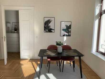 Stylische 2 Zimmer- Wohnung mit Luxus Einbauküche in direkter City-Nähe
