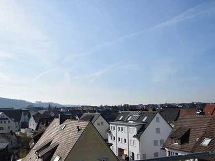 Panorama-Aussicht über den Dächern von Nufringen, gehobene Ausstattung, mit Aufzug und TG-Stellplatz