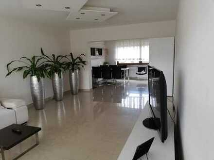 Modernisierte 3-Zimmer-Wohnung mit Balkon und Einbauküche in Oedheim