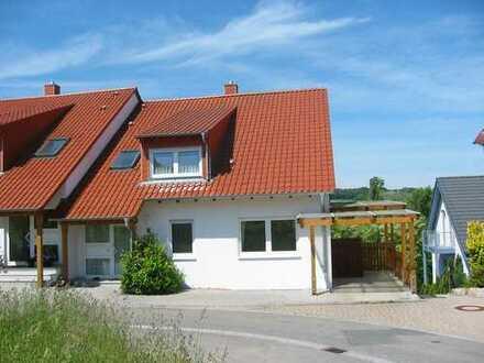 Helle und moderne Wohnung in Hanglage. Ruhige und beliebte Ortsrandlage in Dielheim
