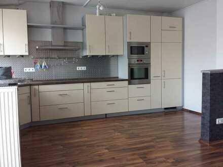 Helle WG-geeignete 4 ZKB-Mais.-Wohnung mit Balkon in MA-Käfertal