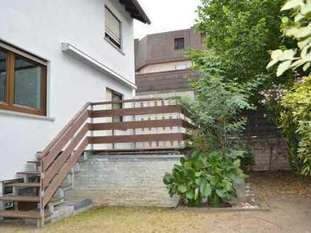 Modernisiertes Einfamilienhaus mit großzügiger Terrasse, Garten und Balkon mitten in Raunheim