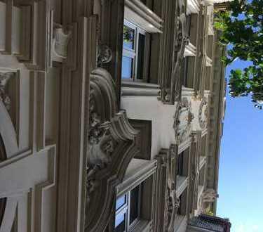 Neuwertiger Dachgeschossausbau im Westend, 3,5 Zi. ca. 100 m², ruhig, Kulturdenkmal, Provisionsfrei!