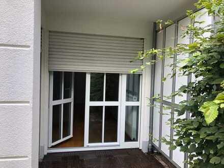 Exklusive, gepflegte 2-Zimmer EG-Garten-Wohnung mit EBK, Nähe Olympiapark/BMW
