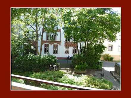 Zum 1.7. - zentrale Stadtlage –ruhiges Apartment mit Loggia & EBK - nur an berufstätige Einzelperson