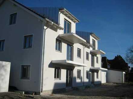 **extra-immobilien** Neubau/Erstbezug - Gehobene 2 Zimmer Dachgeschosswohnung in Forstinning